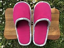 Obuv - Ružové papuče so šedým lemom - 11954760_