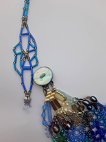 Náhrdelníky - Farebný náhrdelník modro - strieborný - 11950384_