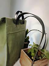 Batohy - Kožený batoh - zelený farbený - 11955377_
