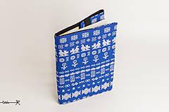 Papiernictvo - Obal na knihu otvárací - Čičmany modré (22 x 41 cm - rozložený (výška A5, hrúbka flexibilná)) - 11955155_
