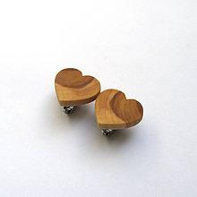 Náušnice - Drevené náušnice klipsňové - jabloňové srdiečka - 11956850_