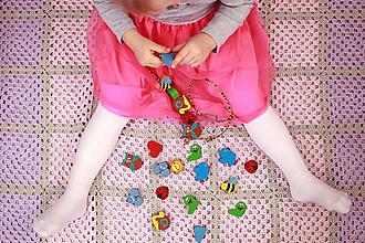Hračky - Korálky na navliekanie LÚČNE ZVIERATKÁ - 11962316_