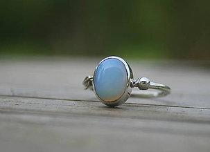 Prstene - Strieborný prsteň s opalitom - 11961082_
