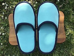 Obuv - Veľké tyrkys papuče s tmavomodrým lemom - 11967785_