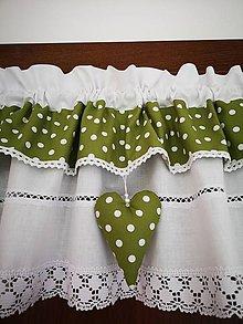Úžitkový textil - Záclonka v zelenom šate - 11969083_