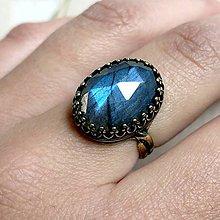 Prstene - Bronze Filigree Labradorite Ring / Filigránový prsteň s brúseným labradoritom - 11972508_