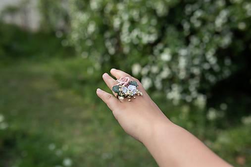 """Kvetinový prstienok """"cez tvoje dlane"""""""