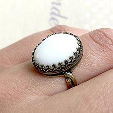Prstene - ZĽAVA 35% Filigránový prsteň s bielym jadeitom - 11975229_