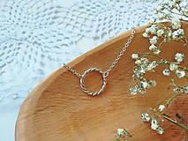 Náhrdelníky - Filigránový náhrdeľník - 11977854_