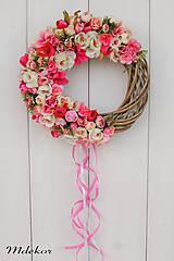 Dekorácie - Ružový veniec - 11975302_