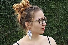 Náušnice - šujtášové náušnice bielo-modré s cingrlátkami - 11980774_