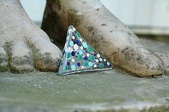 Odznaky/Brošne - Sklenená brošňa - Zelené a modré bodky - 11978378_