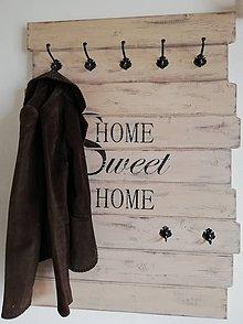 Nábytok - Vešiak Home sweet home - 11986472_