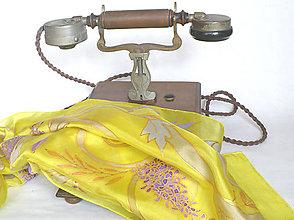 Šatky - Zlaté ornamenty. Hedvábný šátek. - 11984586_