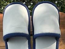 Obuv - Béžové papuče s modrým lemom - 11983460_