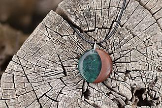 Náhrdelníky - Modrá luna v hrušni - Dřevěný přívěšek - 11987273_