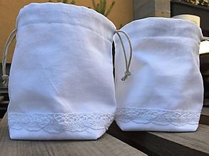 Úžitkový textil - biele vrecúško s čipkou - 11983192_