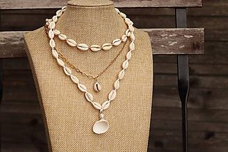Náhrdelníky - Choker, retiazka s mušľou a mušľový náhrdelník - 11983193_