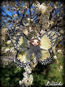 Dekorácie - Motýlia víla khaki - 11991671_