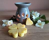 Svietidlá a sviečky - Vonný vosk .: jazmín :. - 11992175_