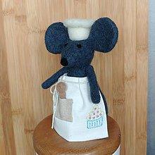 Dekorácie - Plstená myška s ľanovou zásterou - muffin - 11988930_