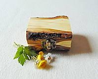 Krabičky - Drevená krabička na prsteň Čarovné polienko - 11994485_