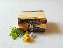 Krabičky - Drevená krabička na prsteň Čarovné polienko - 11994486_