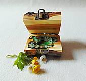 Krabičky - Drevená krabička na prsteň Čarovné polienko - 11994491_