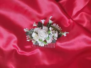 Ozdoby do vlasov - Biely kvetinový hrebienok do vlasov - 11998017_