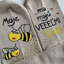 Obuv - Maľované ponožky pre PANI UČITEĽKU včielok (béžové) - 11998850_