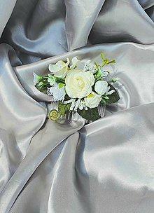 Ozdoby do vlasov - Béžovo biely svadobný hrebeň - 12001259_