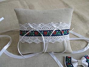 Prstene - Vankúš pod obrúčky ,bavlna-ľan s folklórnou stuhou - 12005383_
