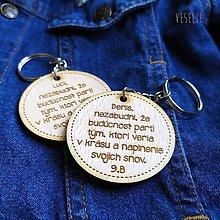 Drobnosti - Kľúčenka s citátom na pamiatku - 12006498_