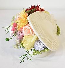 Dekorácie - Dekorácia- Srdce plné kvetov - 12005703_