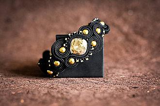 Náramky - Čierno-zlatý soutache náramok - 12006603_