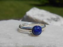 lapis lazuli in silver-ring