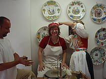 Kurzy - Rodinná exkurzia v keramickej dielni Majolika-R so štrúdľou - 12013211_