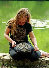 Tričká - Dámske tričko maľované BALAKUN - 12012326_