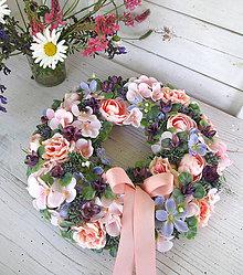 Dekorácie - Letný veniec Ruža s pivonkou - 12013776_