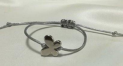 Náramky - Jednoduchý náramok s motýlikom - 12013362_