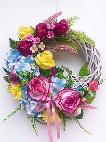 Dekorácie - Veniec vôňa kvetov - 12012409_