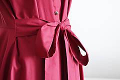 Šaty - Košeľové bordové šaty s viazaním v páse  - 12014749_