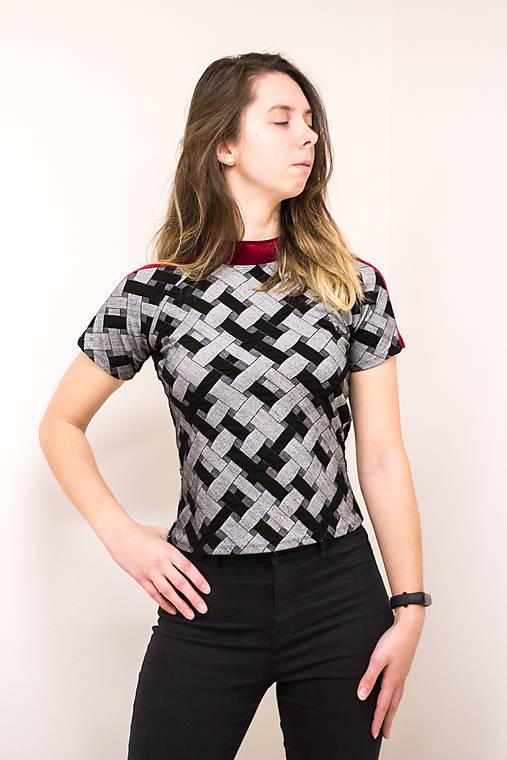 Šedá elegancia - dámske tričko
