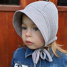 Detské čiapky - Mušelínový čepiec grey - 12030759_