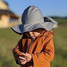 Detské čiapky - Detský klobúk grey dotties - 12030840_
