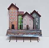 Nábytok - vešiak domčeky - 12027612_