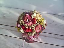 Dekorácie - Kvetinová krabička ... s prírodnými kvietkami ... - 12033058_