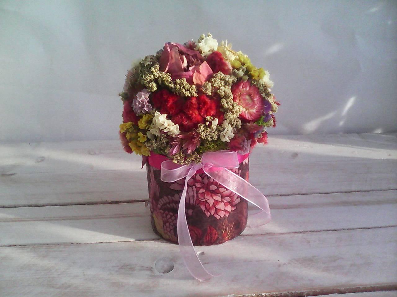 Kvetinová krabička ... s prírodnými kvietkami ...
