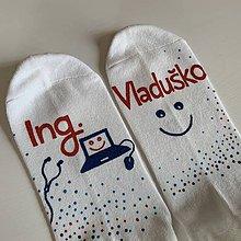 Obuv - Maľované ponožky s titulom a menom (pre ITčkara) - 12033762_
