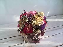 Dekorácie - Prírodná kvetinová krabička ... so sušenými  kvietkami ... - 12036599_